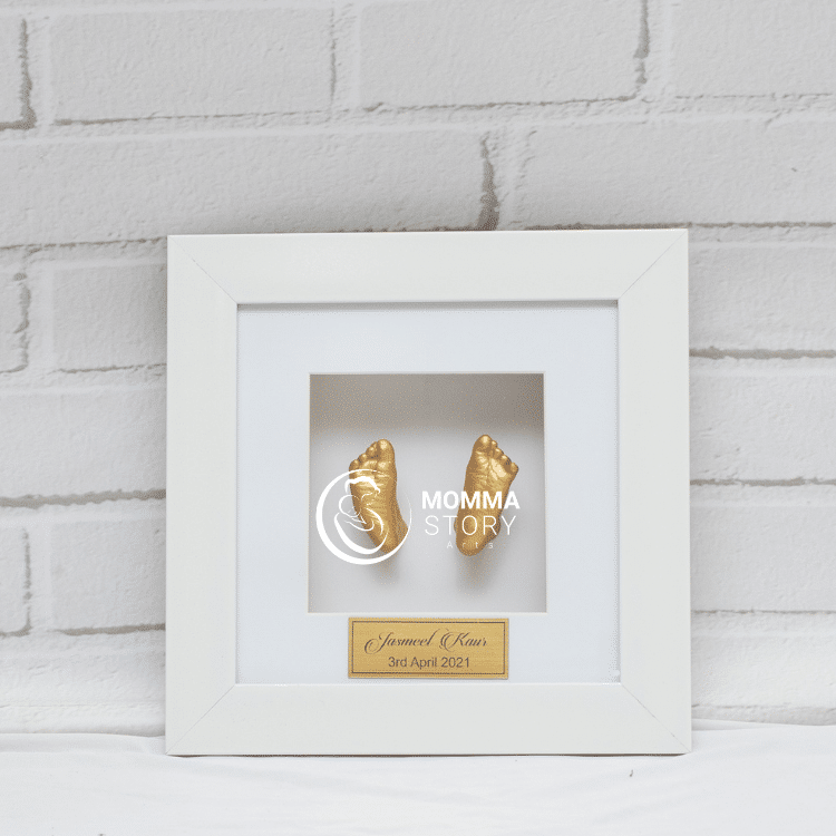 Classic White Casting Frame by momma story 3d